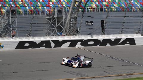 El Ligier de Alonso en plena acción