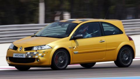 Sport compacto deportivo r26 f1 team