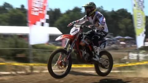 Kimi 'se pasa' al Motocross