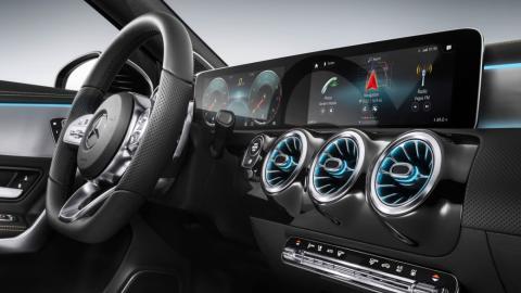Mercedes Clase A 2018 (salpicadero)