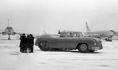 vehiculo industrial aviones aeropuerto arrastrar avion