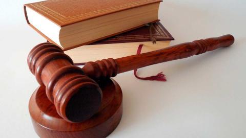 justicia juez leyes martillo