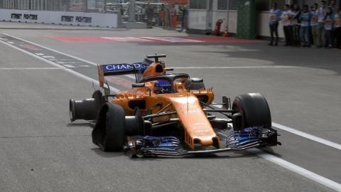 Toque Alonso Bakú F1 2018