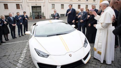 Se vende el Lamborghini Huracán del Papa