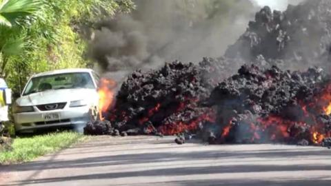 Ford Mustang, sepultado por la lava en Hawái