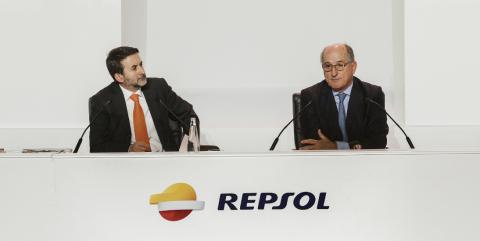 La compañía dirigida por Josu Jon Imaz y presidida por Antonio Brufau es el valor que más ha brillado en el selectivo español en la jornada del miércoles.