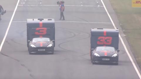 Ricciardo y Versteppen en una loca carrera de caravanas