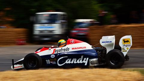 Toleman_TG184-2 de Senna, subastado en 1,6 kiletes