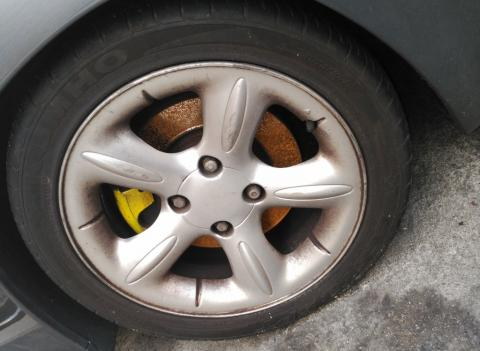 Por qué suena mi coche cuando freno