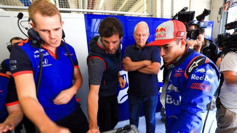 Webber asiste a Márquez en el test de F1