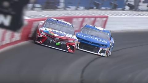 Adelantamientos, golpes en la NASCAR