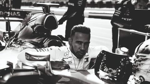 Lewis Hamilton renueva con Mercedes hasta 2020