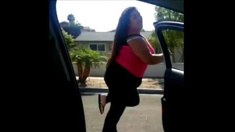 In my felings challenge, bajarse del coche en marcha y bailar