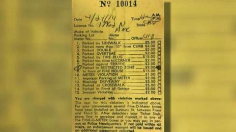 Paga multa aparcamiento 44 años tarde