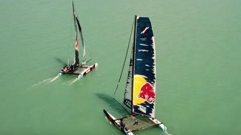 Verstappen y Ricciardo en una carrera náutica