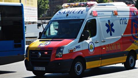 Las luces amarillas de todos los vehículos de emergencia serán azules