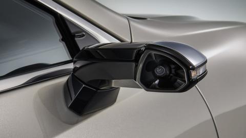 Los retrovisores digitales de Lexus