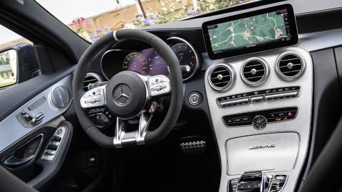 Mercedes-AMG C 63 2019 (interior)
