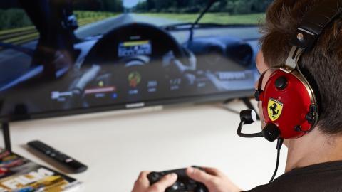 Auriculares Thrustmaster T Racing Scuderia Ferrari Edition (videojuego)
