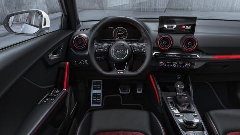 Audi SQ2 (interior)