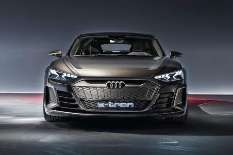 Al volante del Audi e-tron GT Concept
