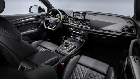 Audi SQ5 TDI 2019 (interior 2)
