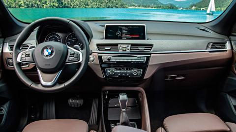 BMW X1 (interior)