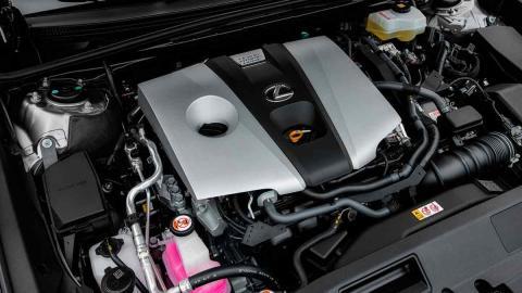 Motor Lexus ES 300h 2019
