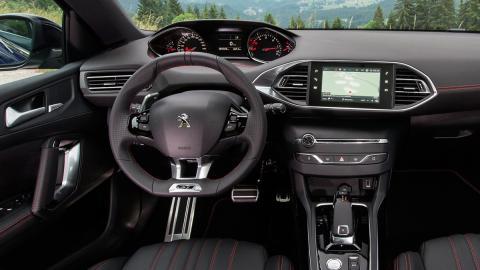 Peugeot 308 SW (interior)