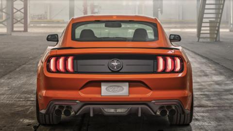 Ford Mustang EcoBoost High Performance Package, trasera