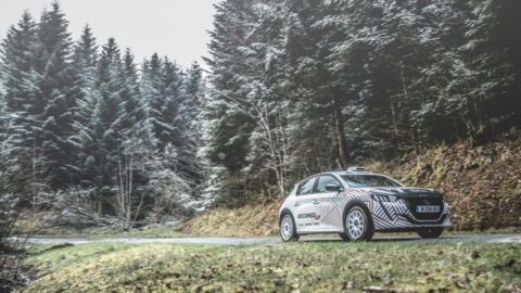 Peugeot 208 R2 2020, portada