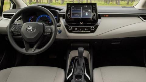 Toyota Corolla Hybrid, interior