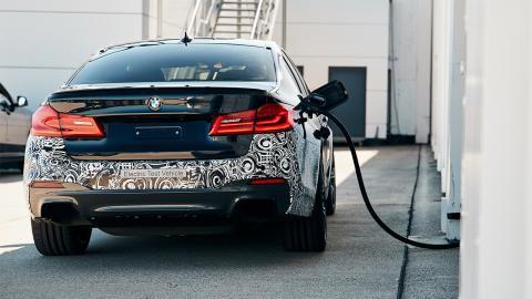 BMW Serie 5 eléctrico trasera