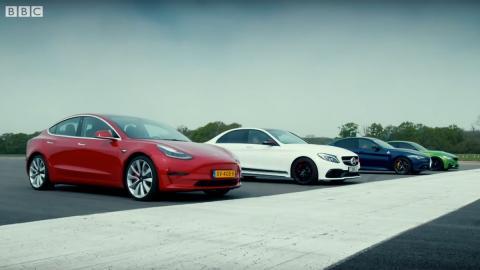 quadrifoglio aceleracion carrera sedan deportivo electrico v8 v6 l6