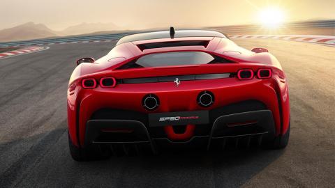 Ferrari SF90 Stradale trasera