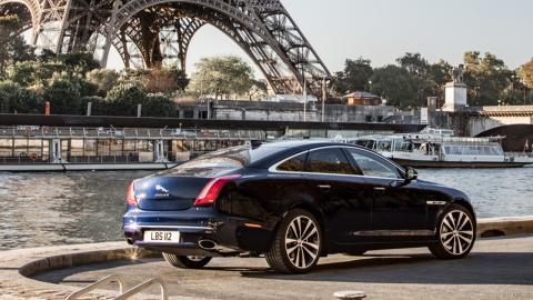 Jaguar XJ trasera