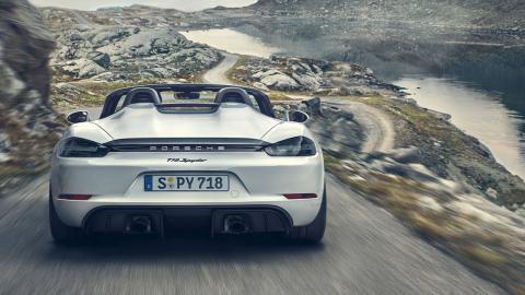 Porsche 718 Cayman GT4 Spyder 2019