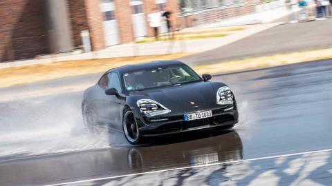 Porsche Taycan copilotaje