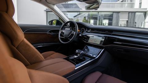 nuevo sedan lujo hibrido enchufable