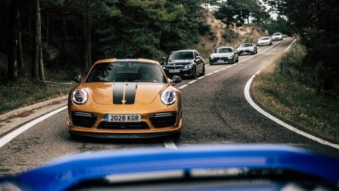 coches deportivos lujo altas prestaciones quedada reunion amigos fiestas