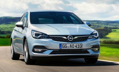 Hyundai i30 u Opel Astra 2020