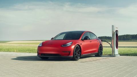 sedan electrico coches electricos deportivo preparacion