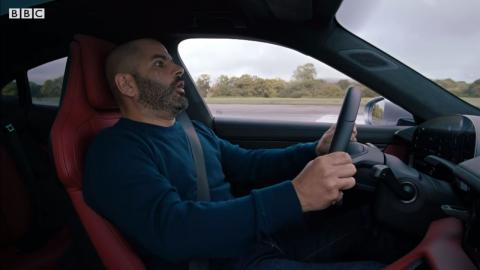 Chris Harris prueba Porsche Taycan Turbo S