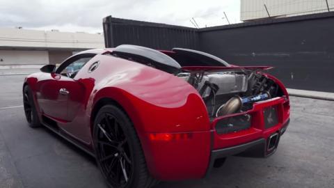Bugatti Veyron escape de titanio