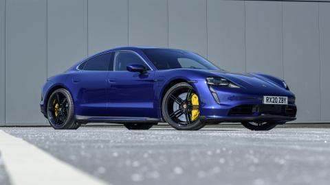 deportivos coches electricos altas prestaciones azul