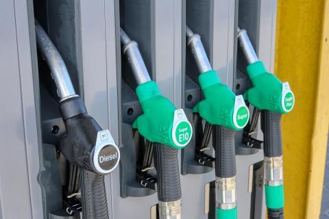 Las 10 gasolineras con el diésel más barato en abril
