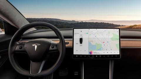 Tesla-muestra-su-nuevo-respirador-hecho-con-piezas-del-model-3_interior