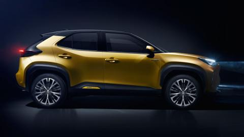 toyota-yaris-cross-cinco-claves-del-nuevo-suv-urbano_lateral