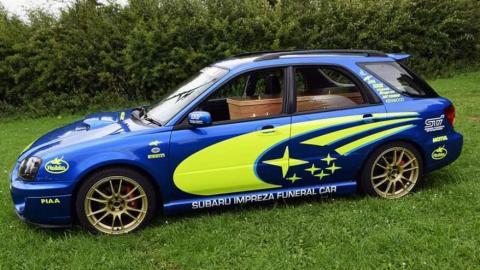 Subaru Impreza funerario