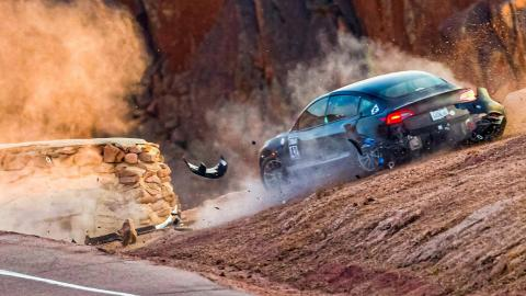 Accidente Tesla Model 3 Pikes Peak